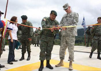 Ecuadorean Army Receives Heliports Donated by United States