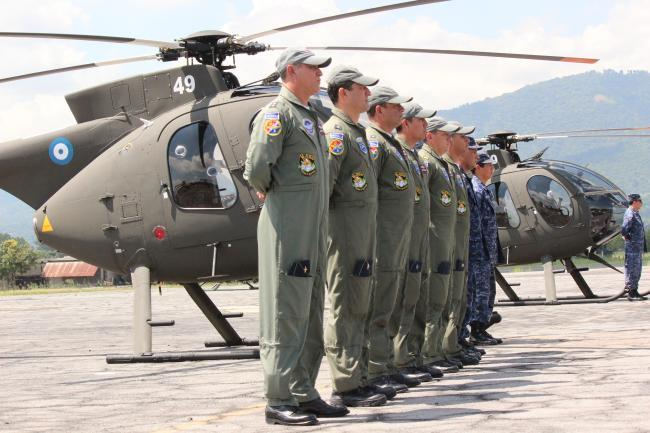U.S. Grants Helicopters to El Salvador