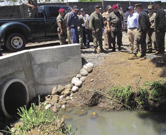 Guatemala: A Bridge in Retalhuleu Joins Two Nations