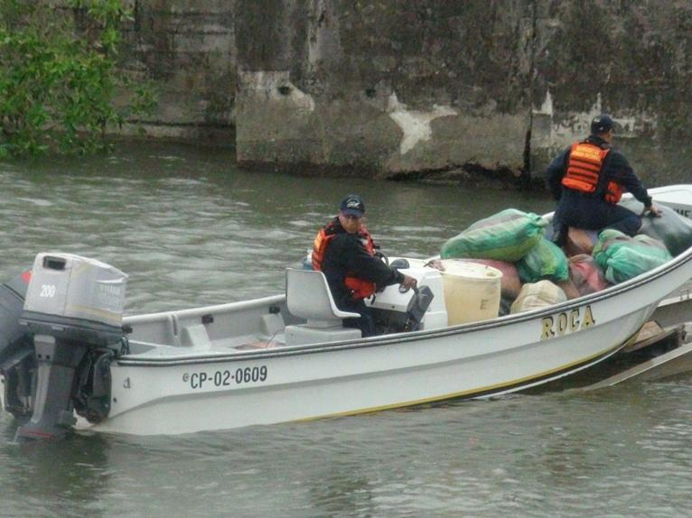 """Colombia Seizes Drugs in """"Go-Fast"""" Speedboat"""