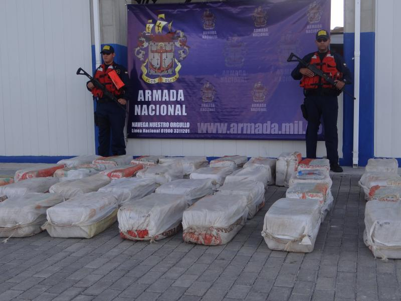 Colombian Navy Arrests Alleged Drug Traffickers in the Caribbean