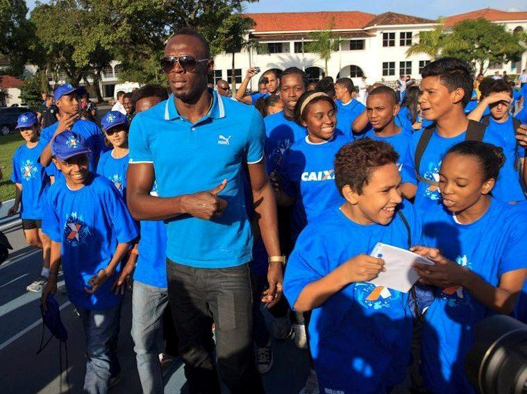 Usain Bolt Visits Brazilian Air Force University