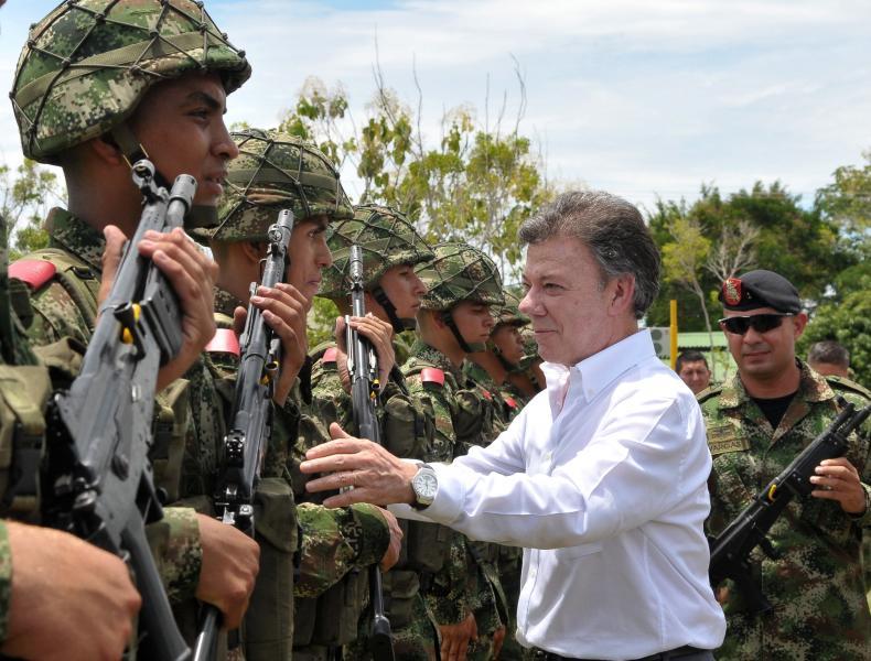 Santos Praises the Army for Killing FARC Leader
