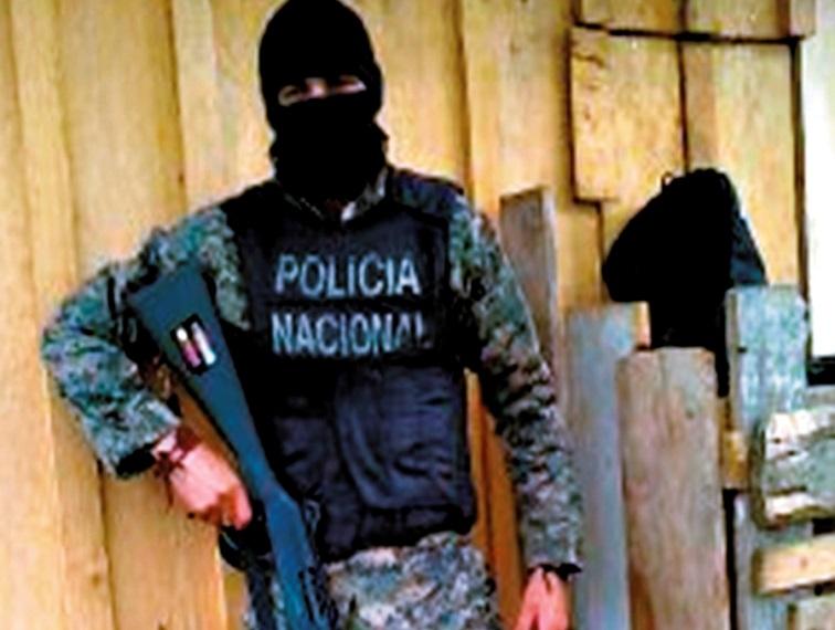 Honduran security forces battle the Espinoza gang