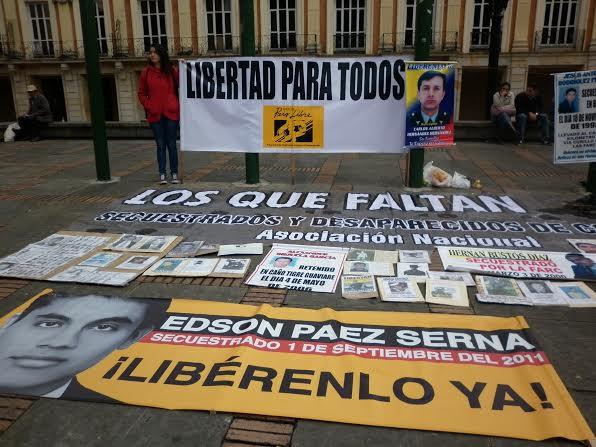 GAULA, Pais Libre and University of La Sabana help families of kidnapping victims