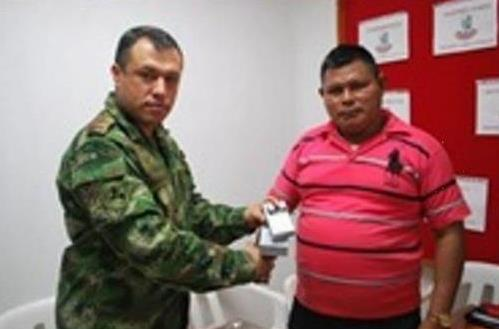 Colombian Army supports 'Voice of the Sikuani' radio program to help indigenous population