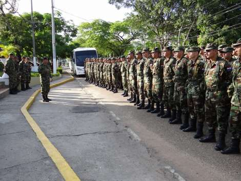 Colombian Army trains Paraguayan soldiers to fight terrorism, drug trafficking