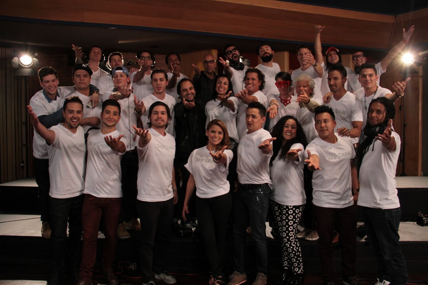 Colombian musical artists sing for peace