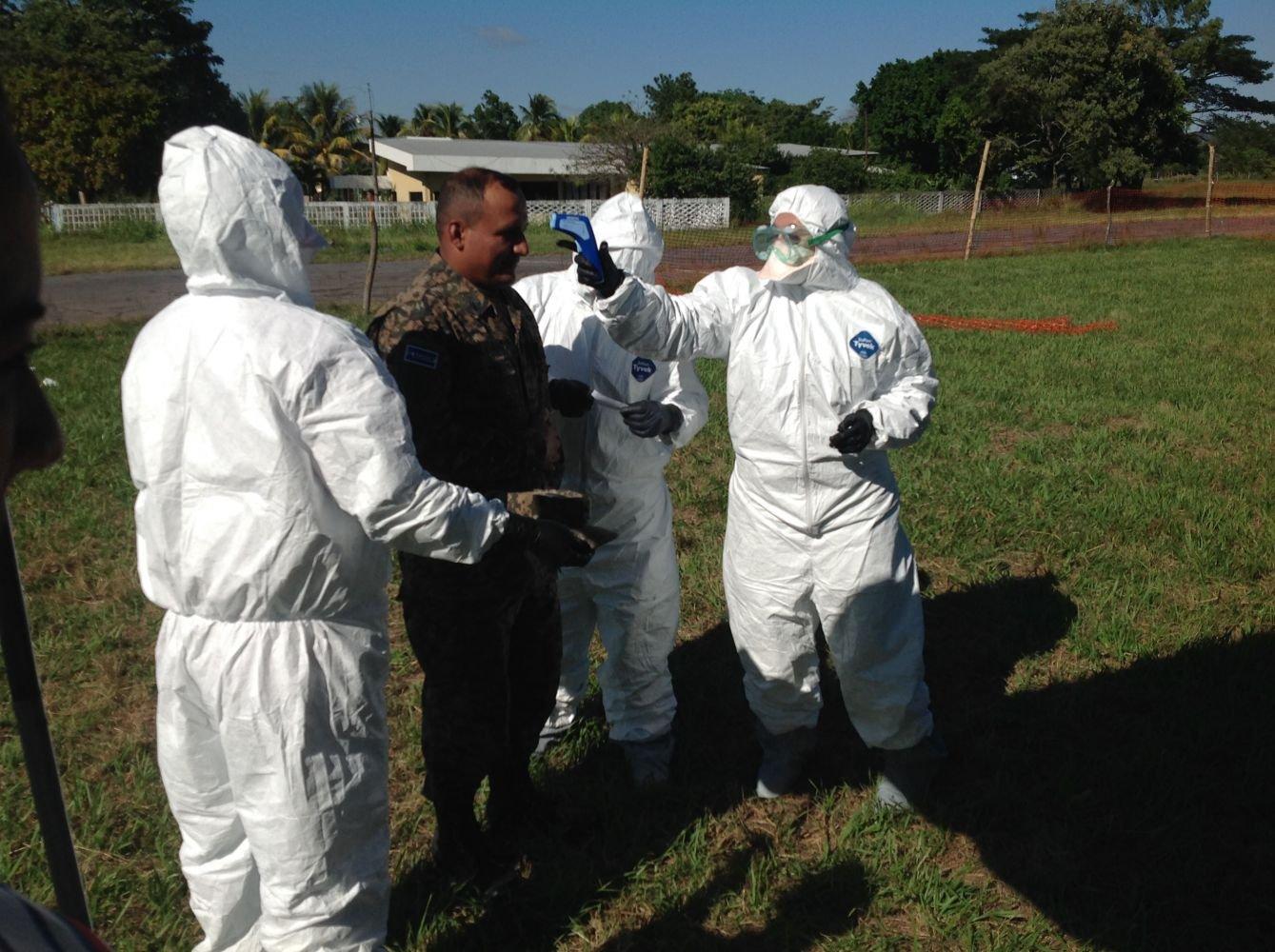 Salvadoran, Uruguayan Peacekeepers Deploying to Africa Train on Ebola Precautions and Response