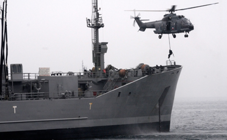 Chilean Navy hosts Exponaval 2014 , conducts maritime anti-piracy exercise