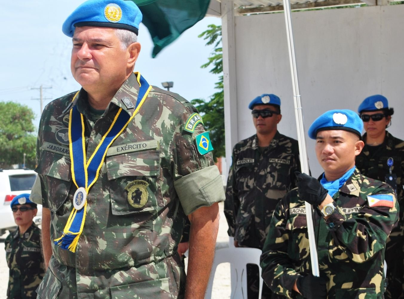 """""""The Armed Forces exist to ensure peace"""" – General Jaborandy, Force Commander, MINUSTAH"""