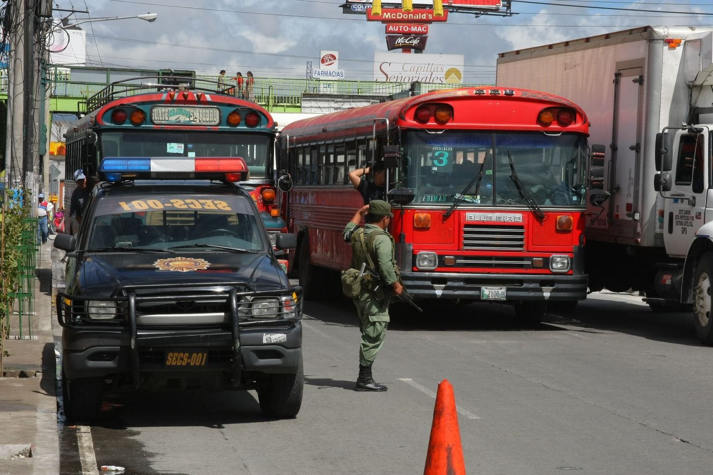 Military and Police Cooperate to Improve Public Safety in Guatemala