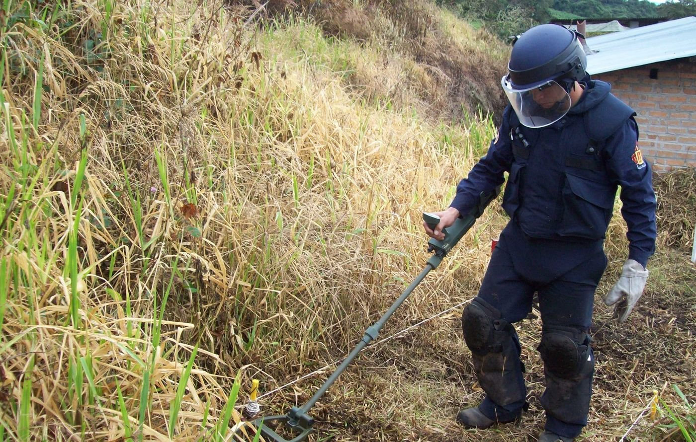 Colombia Launches National Demining Program