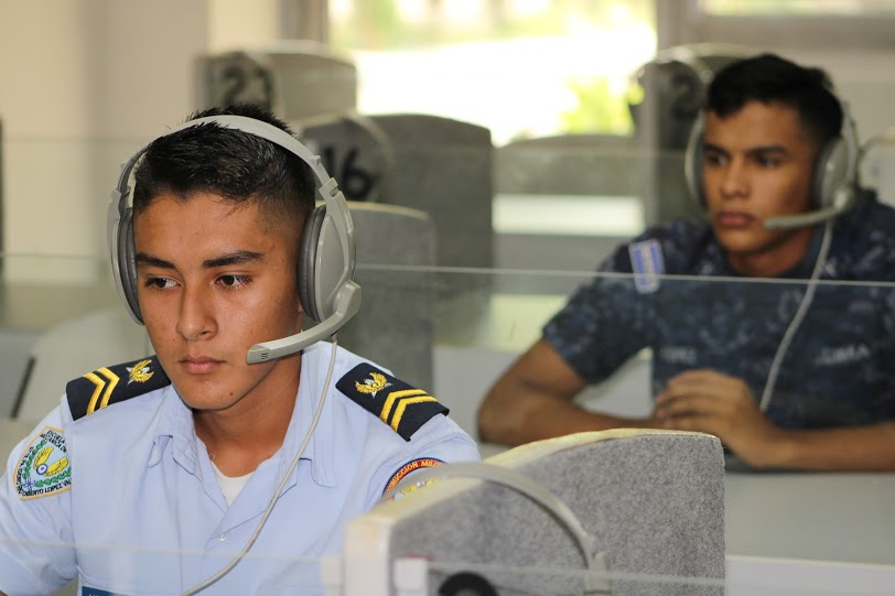 Salvadoran Air Force Teaches Youths Aeronautics and Discipline