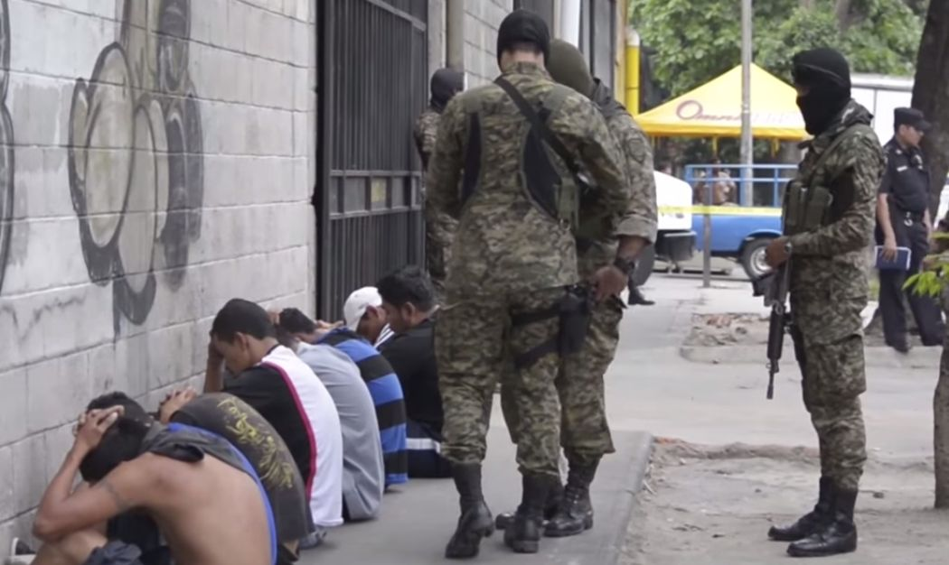 Salvadoran Special Forces Units Crack Down on Gangs in 50 Cities