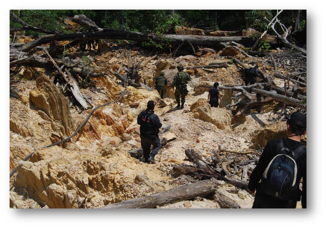 Colombian Armed Forces Disrupt Illegal FARC Mining Sites