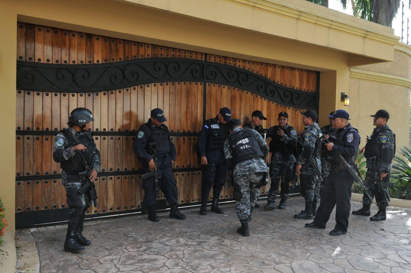 Honduran Combat Medics Help the Military, Police, and Civilians