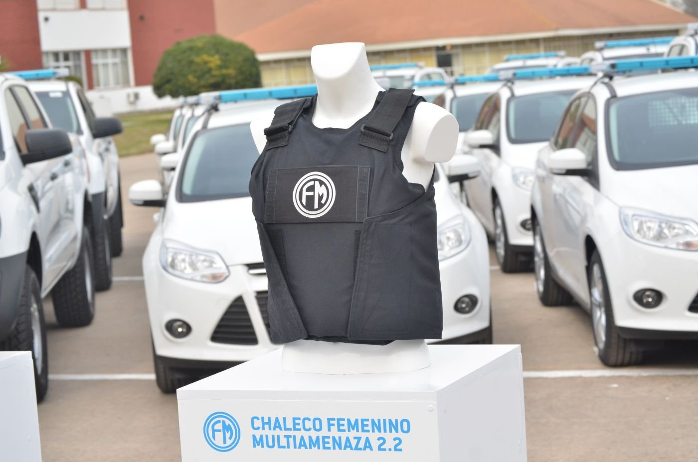 Argentina Produces First Bullet-Proof Vests for Women in the Security Forces