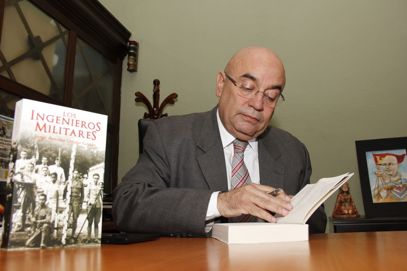 "Guatemalan Military Historian Releases New Book: ""Los Ingenieros Militares"""