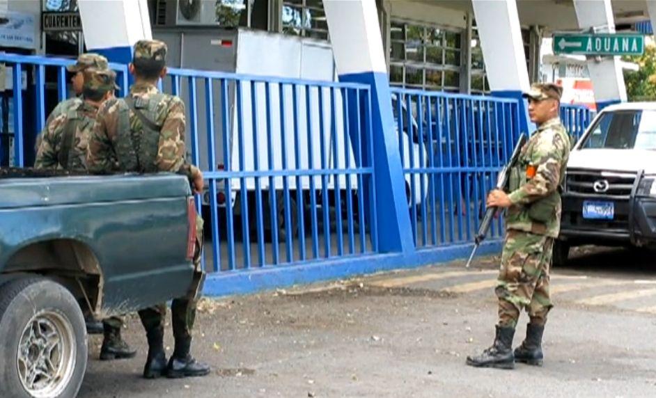 El Salvador: Sumpul Command Troops Combat Smugglers, Gangs