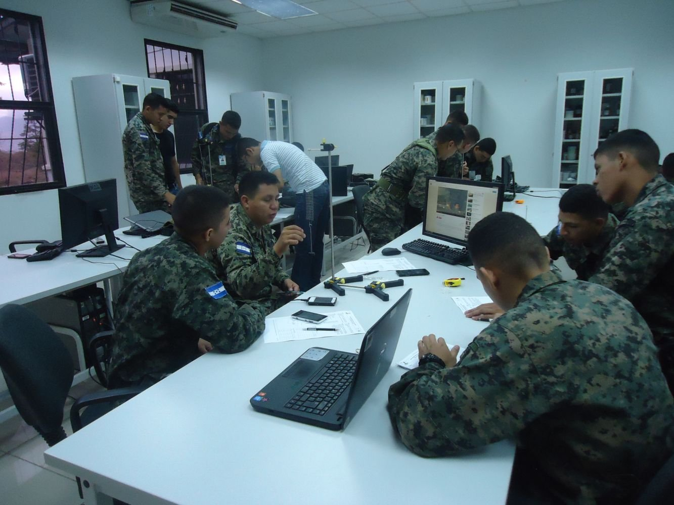 Honduran Military Students Develop Bomb-Dismantling Robot