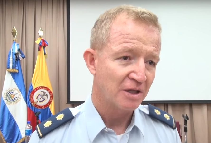 Salvadoran and Colombian Armed Forces Share Post-Conflict Experiences