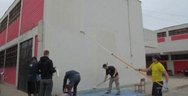 Peruvian, U.S. Sailors Strengthen Community Ties with Lima School Project
