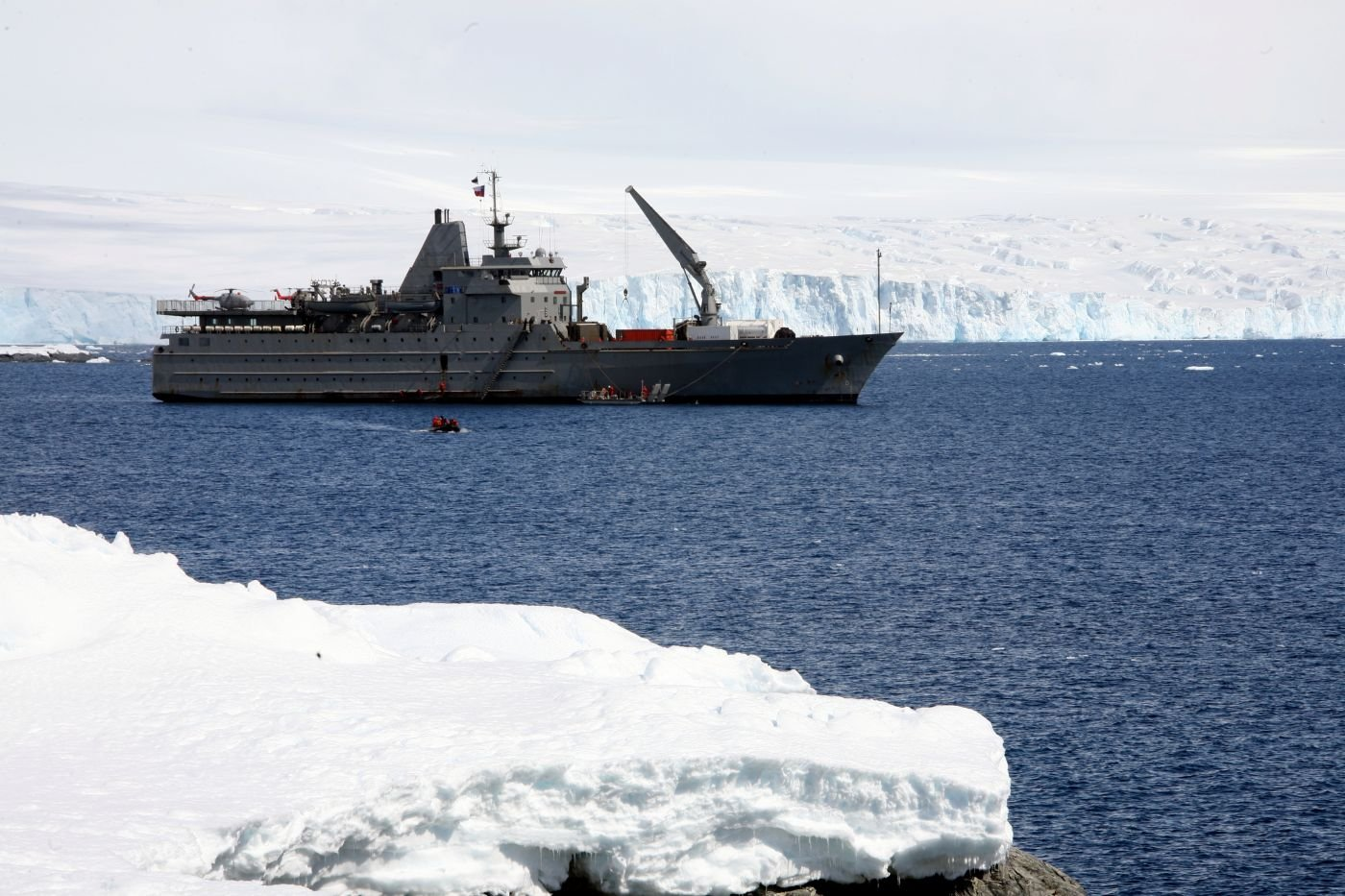 Chilean Armed Forces Support Scientific Research in Antarctica