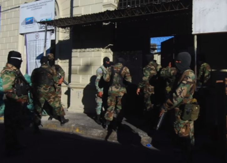 Specially Trained Salvadoran Troops Take on Violent Street Gangs