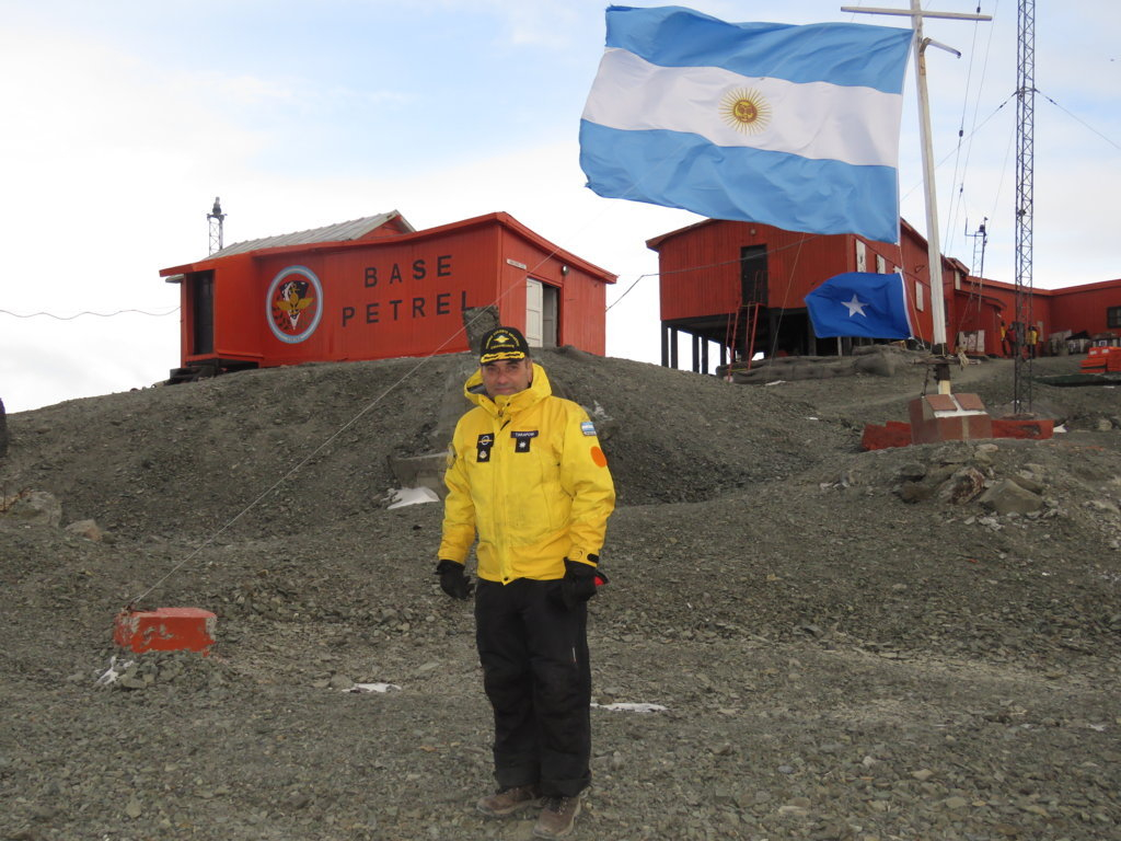 Argentine Armed Forces Support Summer Antarctic Campaign