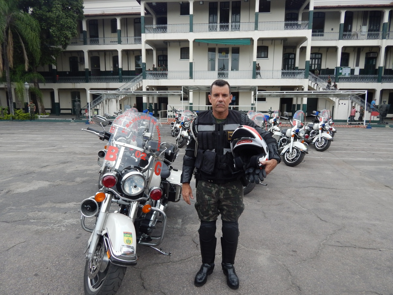 Brazilian Army Trains Motorcycle Escorts for Rio 2016