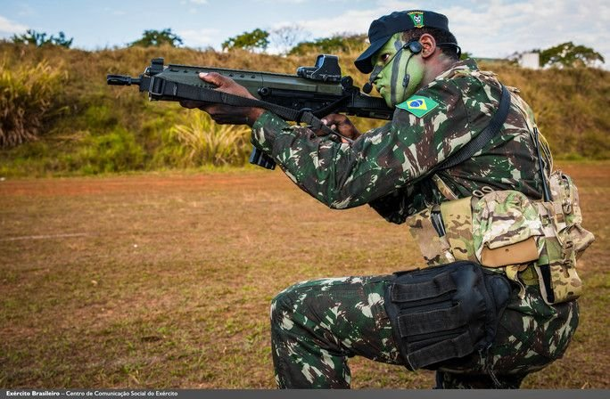 Brazilian Army Adopts First Rifle with 100 Percent Brazilian Technology