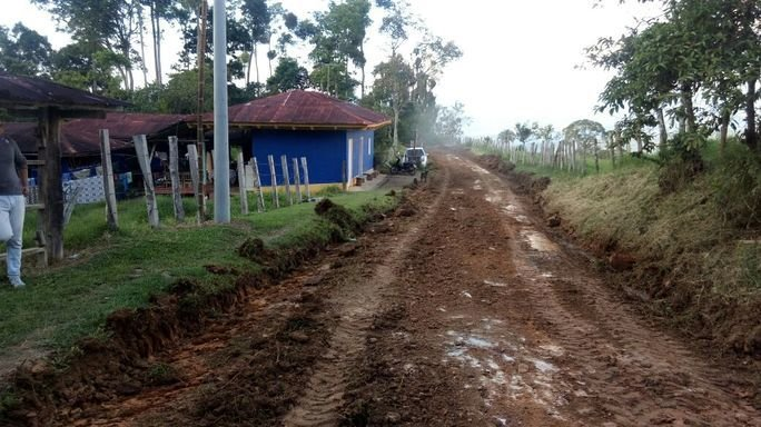 Colombian Army Rebuilds Rural Roads