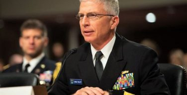 """Comandante do Comando Sul dos EUA: Continuaremos voando """"onde quer que se apliquem as normas internacionais"""""""