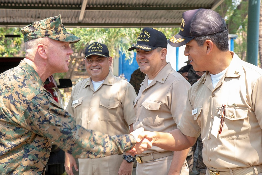 MARFORSOUTH Trains Salvadoran Marine Battalion
