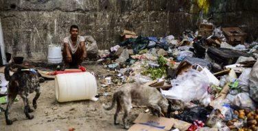 De ricos a mendigos: A história da crise venezuelana