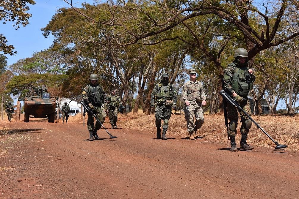 Neutralização de explosivos é tema de intercâmbio entre Guarda Nacional de Nova York e Exército Brasileiro