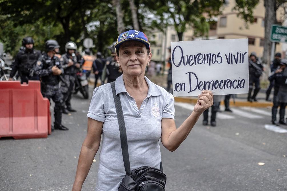 Pompeo: Venezuela demanda um grande esforço para restaurar a democracia