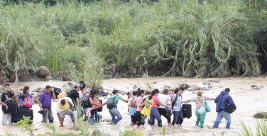 Grupos armados da Colômbia exploram menores venezuelanos