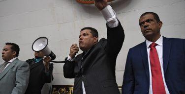 EE.UU. sanciona a Luis Parra y a otros seis diputados venezolanos