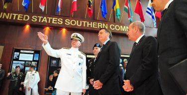 Presidente do Brasil visita Comando Sul dos EUA