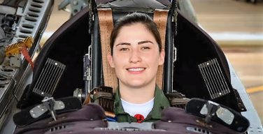 La Academia de la Fuerza Aérea tiene su primera instructora de vuelo para el T-27 Tucano