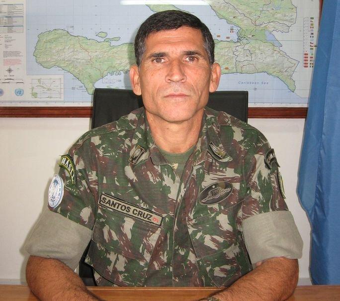Santos Cruz, General at the Front Line