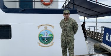 NAMRU-6 Microbiologist Embarks with Peruvian Navy Vessel along the Amazon River