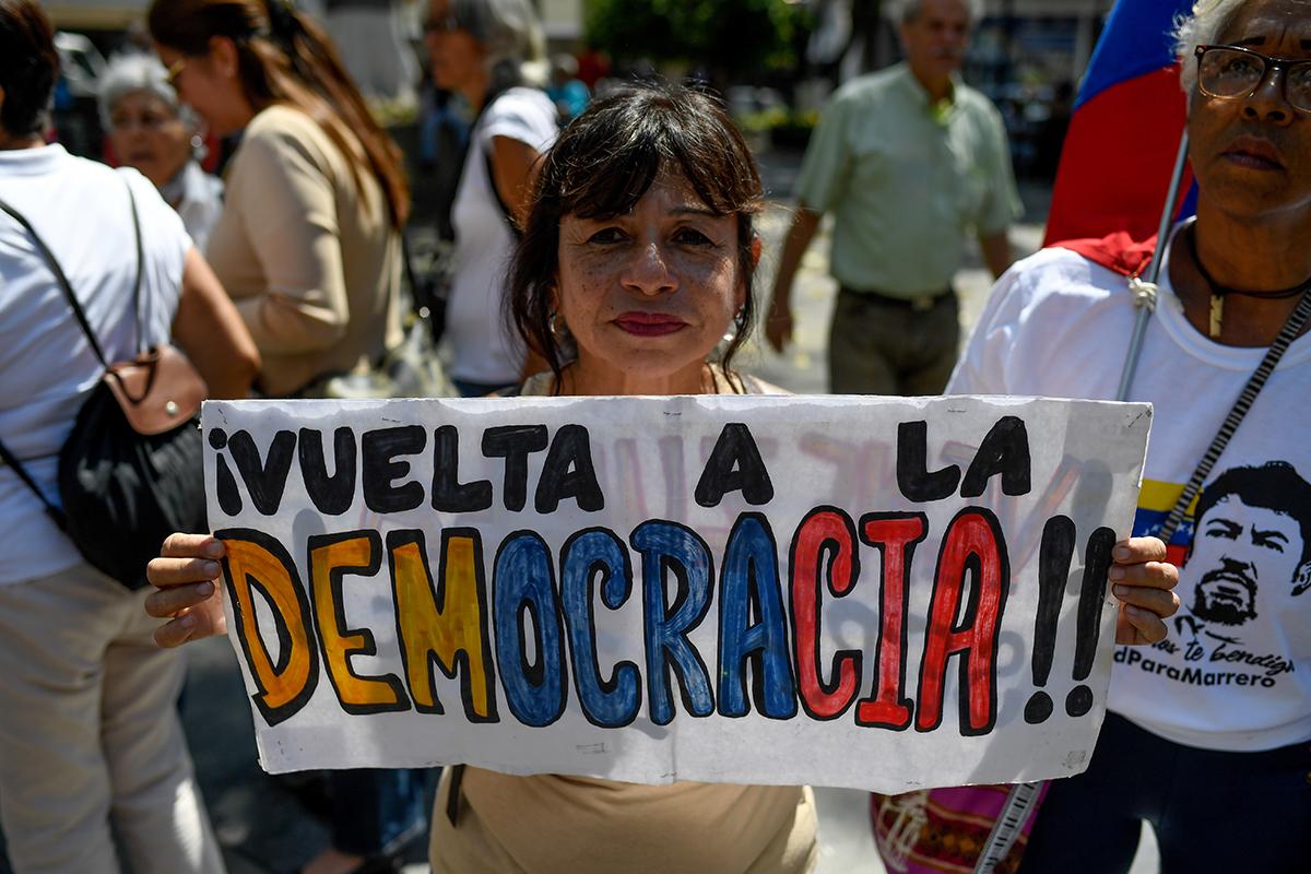 US Shifts Strategy and Offers Venezuela Path Toward Democracy