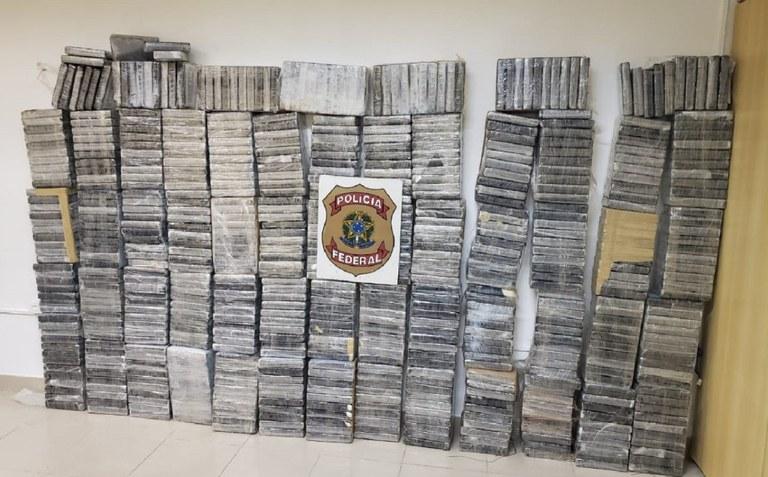 Polícia Federal do Brasil apreende 650 quilos de cocaína em Pernambuco