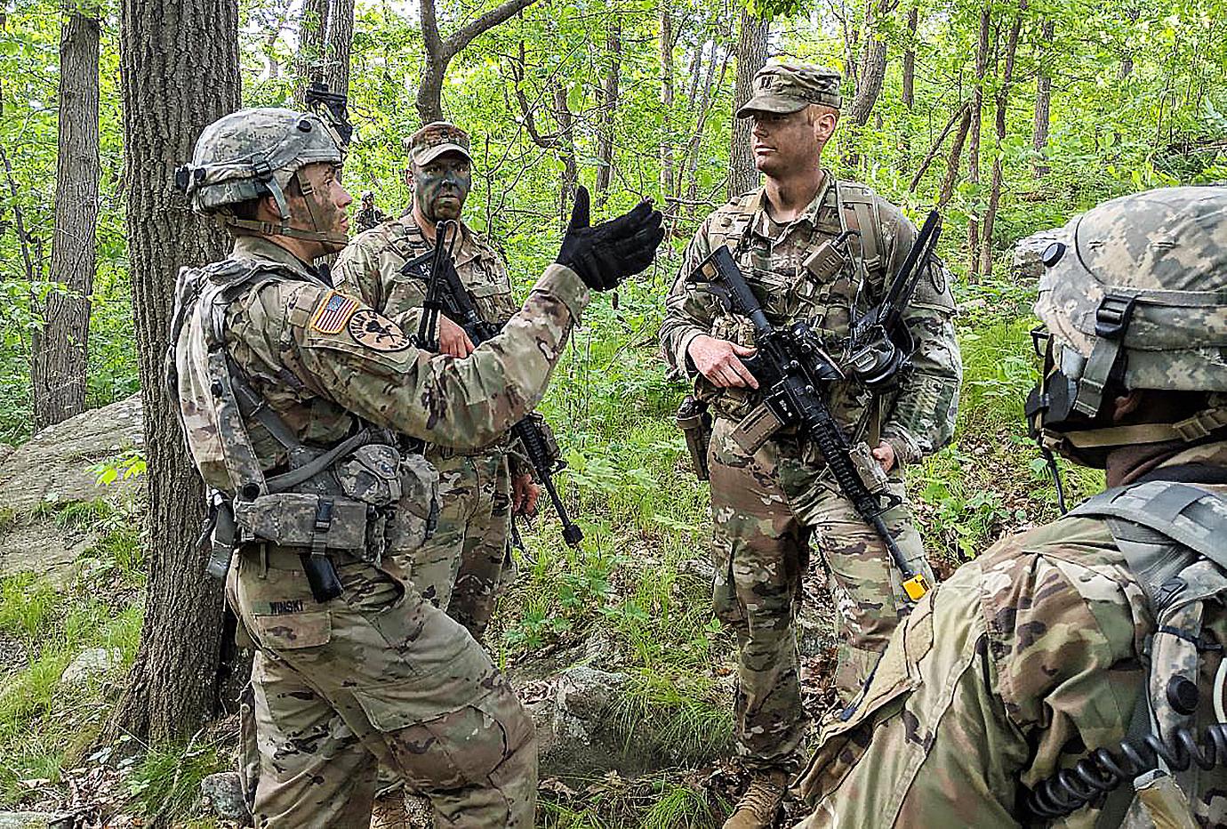 SOUTHCOM destaca equipe consultiva do Exército dos EUA para apoiar a cooperação avançada antinarcóticos com Colômbia
