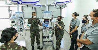 Profissionais de saúde das Forças Armadas treinam para combater coronavírus
