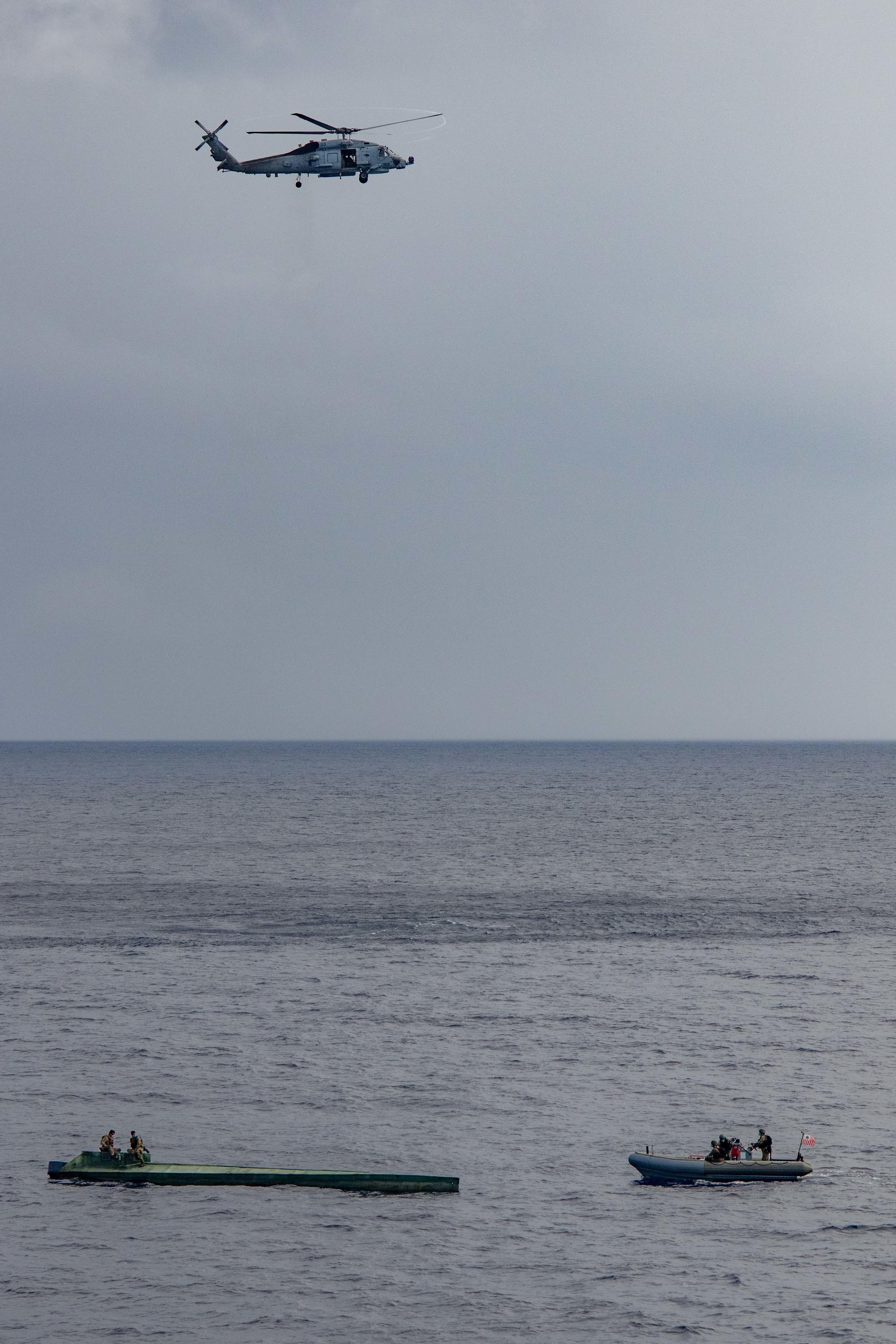 El USS Pinckney detiene segunda embarcación narcotraficante
