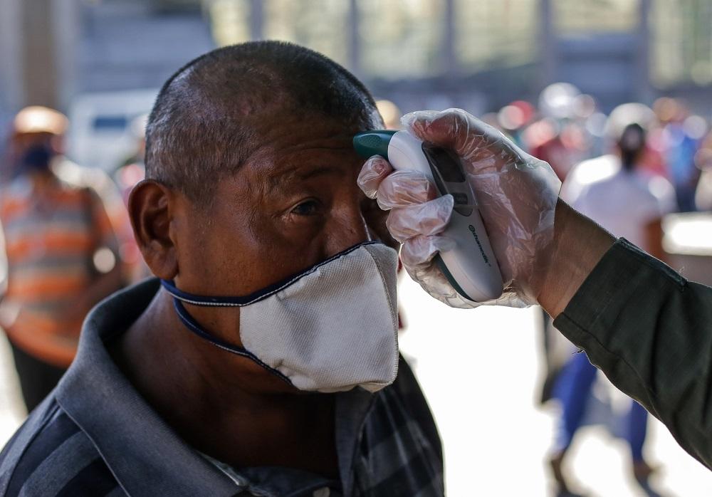 """HRW e Johns Hopkins: Dados oficiais sobre o vírus na Venezuela são """"absurdos"""""""